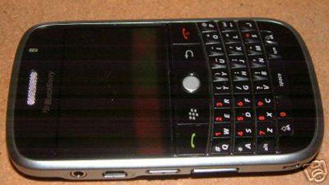 thumb463x_blackberry9000_spy_shot.jpg