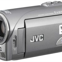 jvc_everio_gz-ms100_camcorder_01.jpg