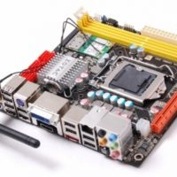 Zotac_H55-ITX_WiFi_board_01