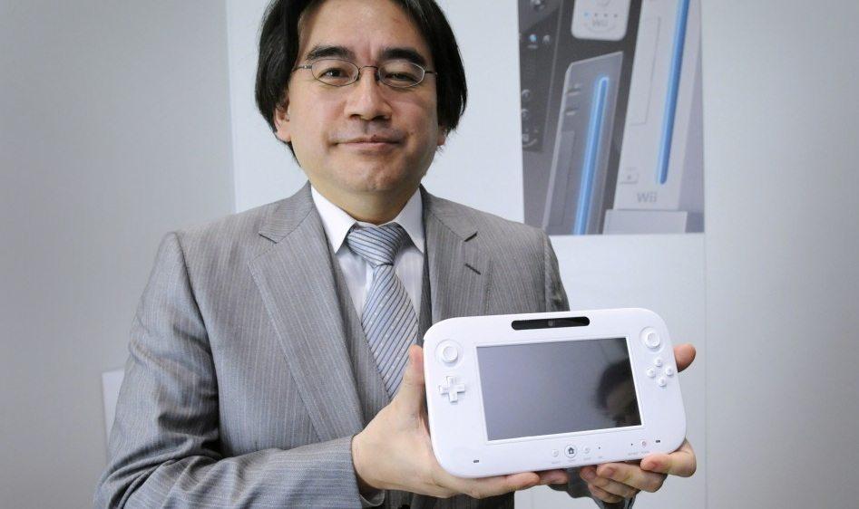 satoru iwata wii u - Primo unboxing di Wii U, Satoru Iwata mostra al mondo la nuova console Nintendo
