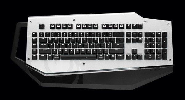 cm storm mech 600x327 - CM Storm Mech: tastiera meccanica da 160€