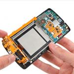 nexus56 150x150 - Teardown per il Nexus 5: facile da riparare ma con schermo fuso
