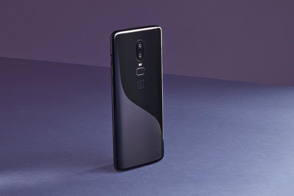 oneplus 6 - OnePlus 6 nuovo record: 1 milione di unità in soli 22 giorni